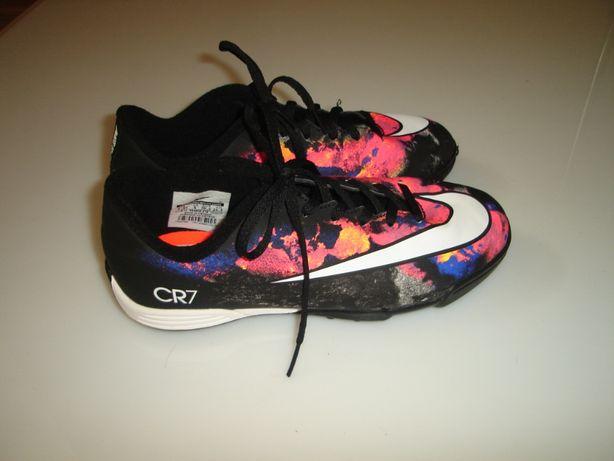 Сороконожки, бутсы, кроссовки Nike Mercurial CR7 размер 36-36,5 (UK 4