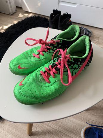Halówki Nike r39 24,5cm