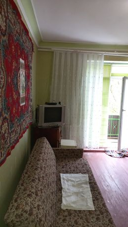 Продам кімнату 8 500  долл.