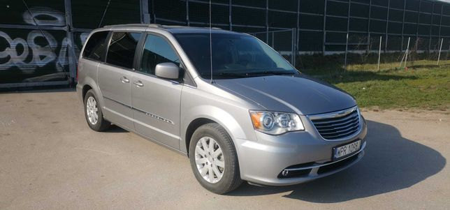 Chrysler Town&Country 3,6 2014 Touring 143000km