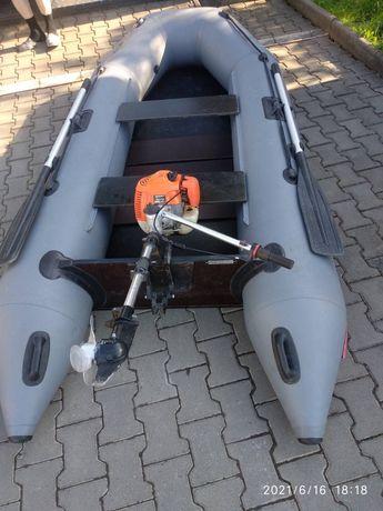 лодка з мотором