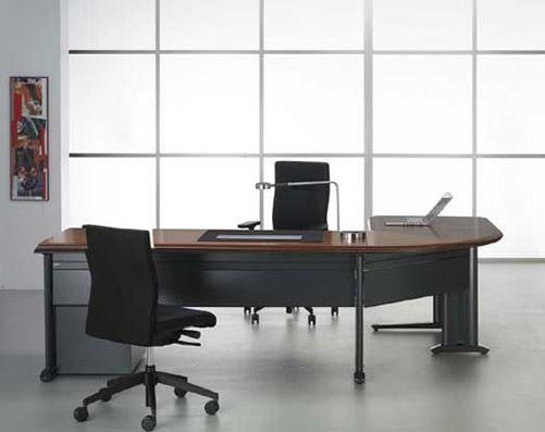 Secretária e mesa de reuniões Veloso e Troca