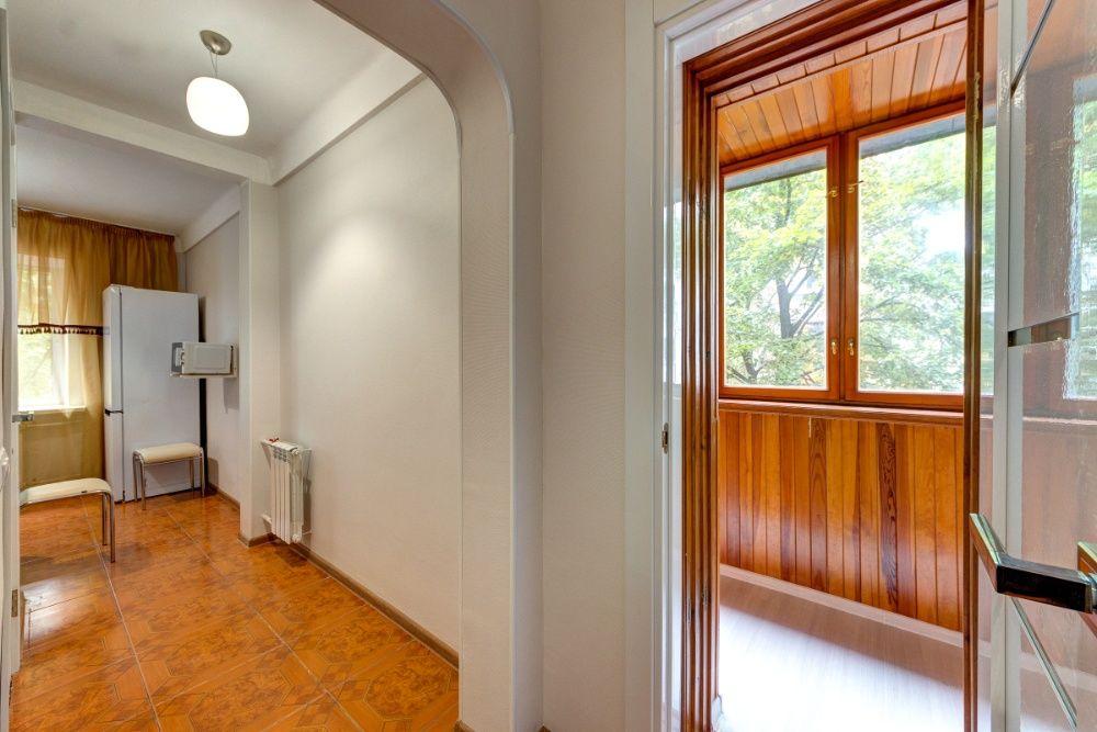 Дизайнерская двухкомнатная квартира на бул. Дружбы Народов, 8-1