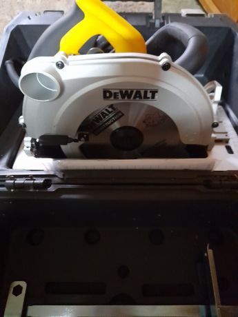 Pilarka tarczowa DeWalt D23650