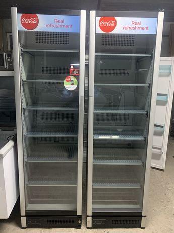 Морозильна і холодильна вітрина камера холодильник