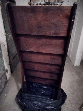 Regalik drewniany na kolekcję