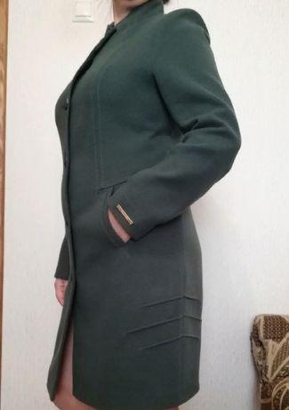 Пальто женское кашемировое, разм. 50 б/у