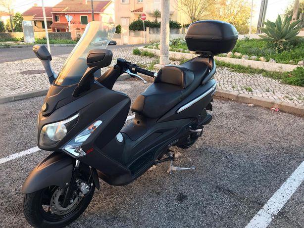 Vendo ou troco mota SYM GTS 125 Evo
