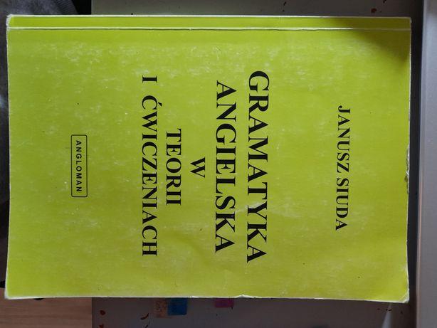 Książka Grmatayka Angielska w teorii i ćwiczeniach