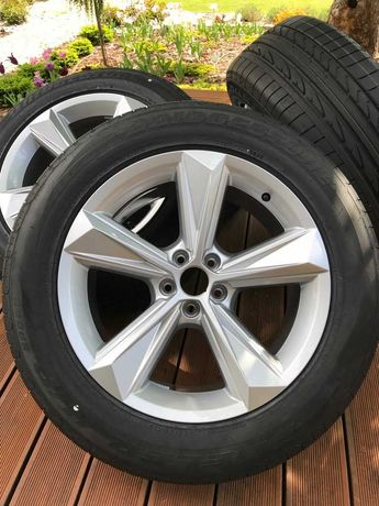 19 дюймовые диски Audi Q7 2020 8,5x19 ET23 4M0601025BN