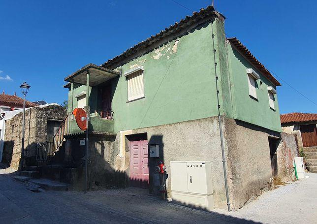 Casa para restaurar na Vila de Tábua