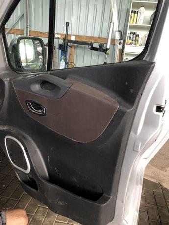 Fiat talento renault trafic  tapicerka drzwi prawe lewe