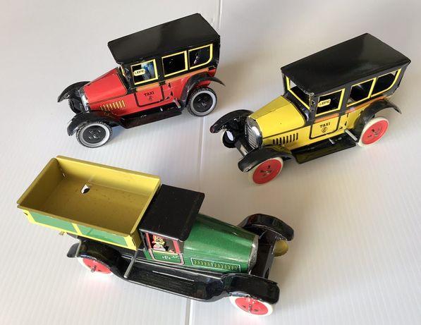"""Brinquedos de corda em folha,Miniaturas """" Cars"""" e Camiões"""