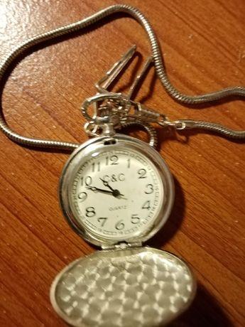 Relógios de bolso a funcionar na perfeição e com corrente
