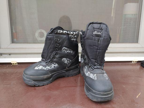 Термоботинки для сноуборда р. 38-39, лыжные ботинки, зимние сапоги