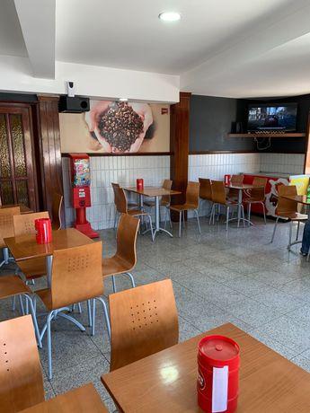 Trespasse/ Estabelecimento / Café/Restaurante/Snacks Bar/Petisqueira