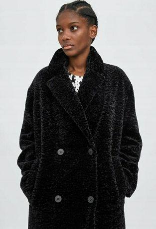 Płaszcz kożuszek miś zara czarny oversize na zimę ciepły z guzikami