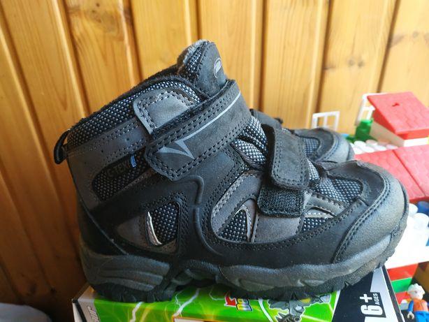 Зимові спортивні кросівки