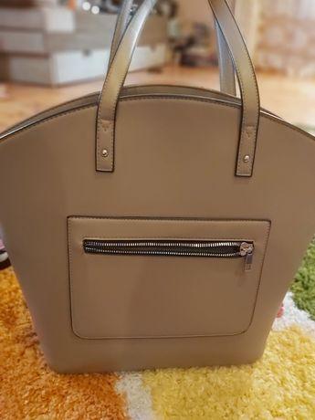 Кожаная сумка серо бежевого цвета большая