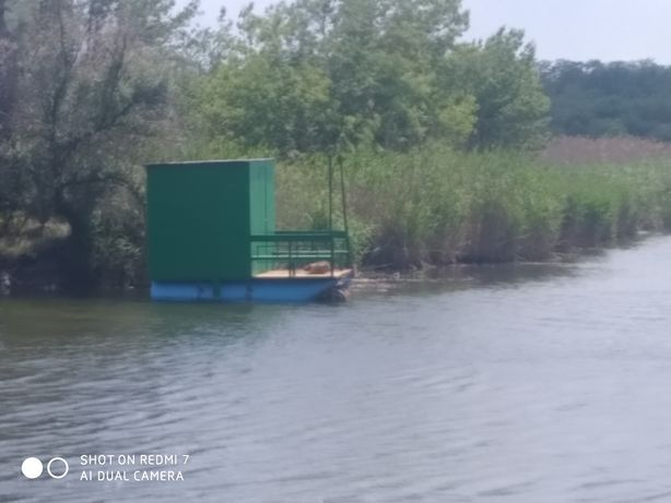 Понтон-домик для рыбалки