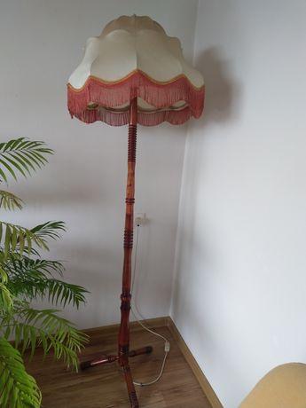 Lampka podłogowa