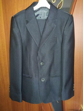 Продам костюм 3в1 на мальчика