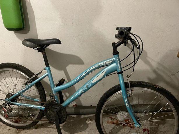 Bicileta azul bebe 40€