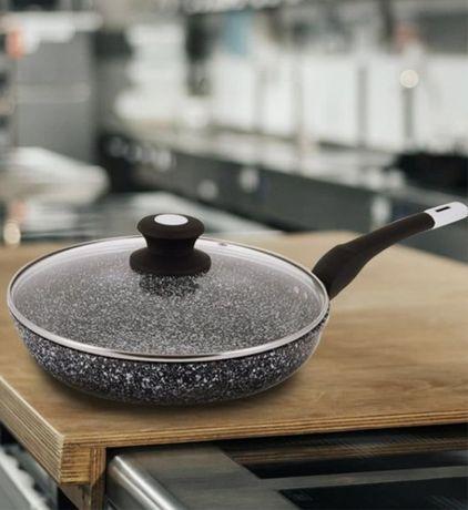 Сковорода с крышкой покрытие гранит серая 20 см