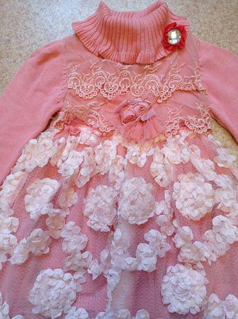 Платье  тёплое на девочку