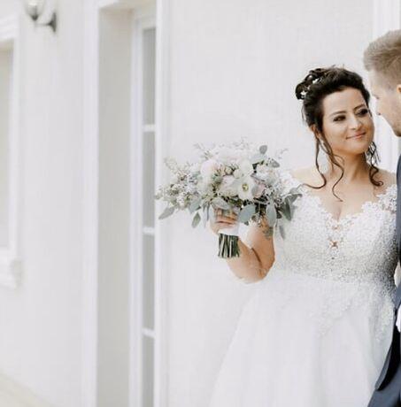 Suknia ślubna rozmiar 44-46 piękna duży biust