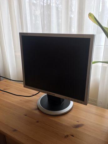 Sprzedam sprawny monitor