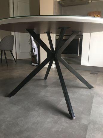 Mesa redonda com vidro