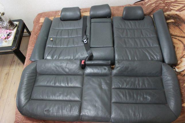 Продам задние сиденья Audi A6 C5