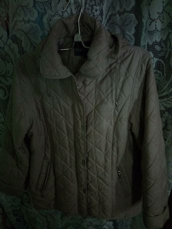 Куртка женская утепленная 54 разм.