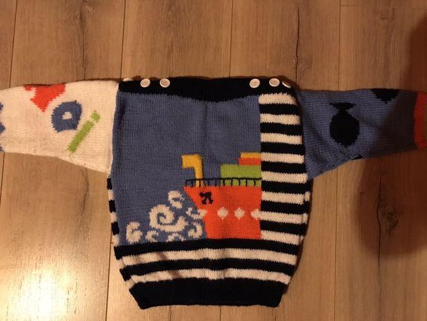 Детские вязаные свитера, кофточки