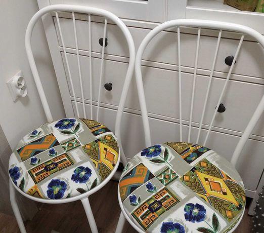 Krzesło odnowione białe