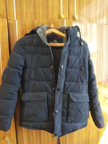 Зимняя курточка,очень теплая, удлинённая.