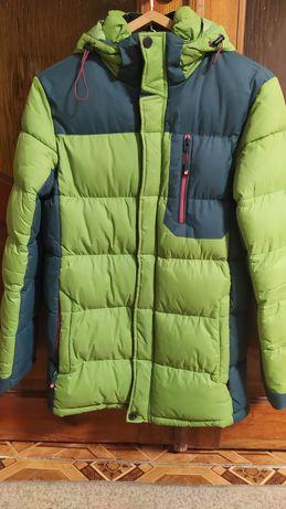 Продам зимнюю одежду