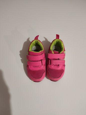 Кросівки розмір23