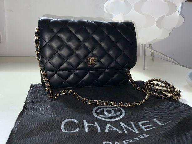 Bolsa estilo Chanel preto