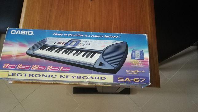 Órgão Casio SA 67