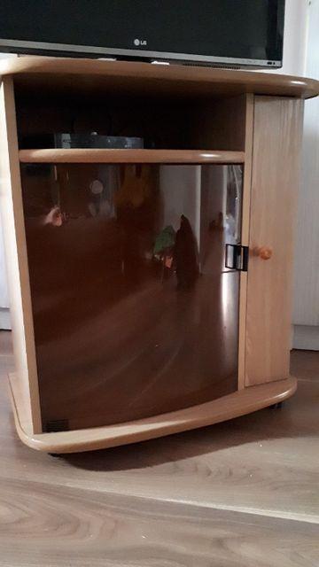 Sprzedam szafkę pod telewizor.