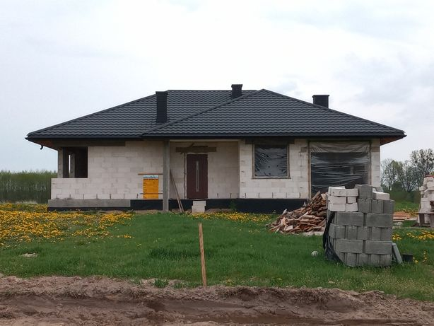 Dachy, wykonywanie pokryć dachowych