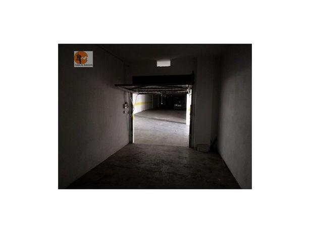 Imóvel Banco Garagem Privativa na cave Setúbal São Sebastião
