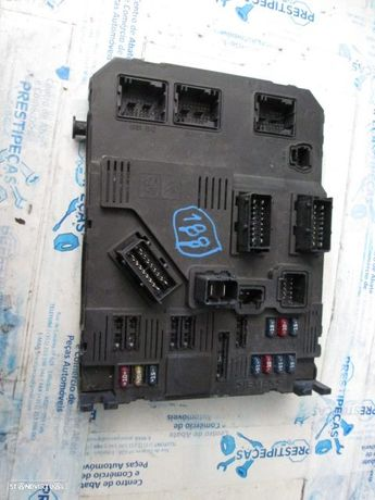 CAIXA FUSIVEIS CITROEN C2 9652474380 CITROEN / C2 / 2003 / 1,4 CX AUT / SIEMENS /