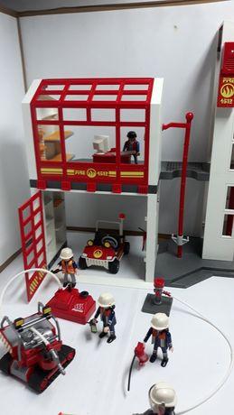 Playmobil remiza strażacka