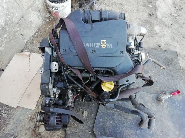 Silnik 1.9 DCI Kompletny F8T