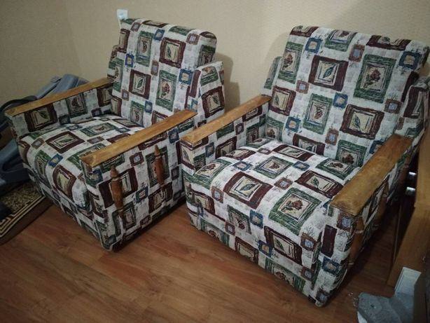 кресла мягкие 2 штуки