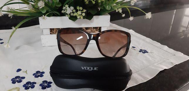 Óculos vogue castanhos com brilhantes