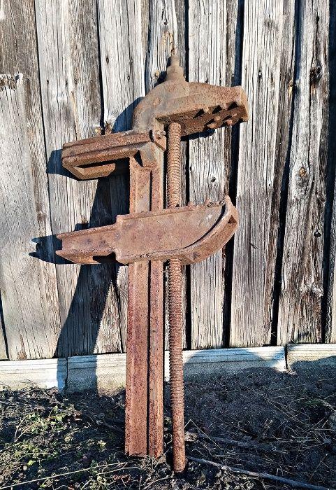 Nogi do stołu ściski do koła ze starego młyna zabytkowe Dębowiec - image 1